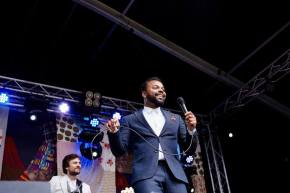 Myles Sanko Bron: Welcome to The Village Facebook - ©Erikjan Koopmans